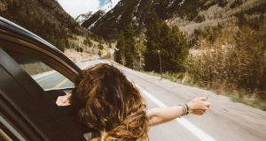 Lady in Car - Blogging - How to Build an Income Producing Blog - Laptop Lifestyle